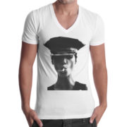 T-Shirt Uomo Scollo V MODEL SMOKE