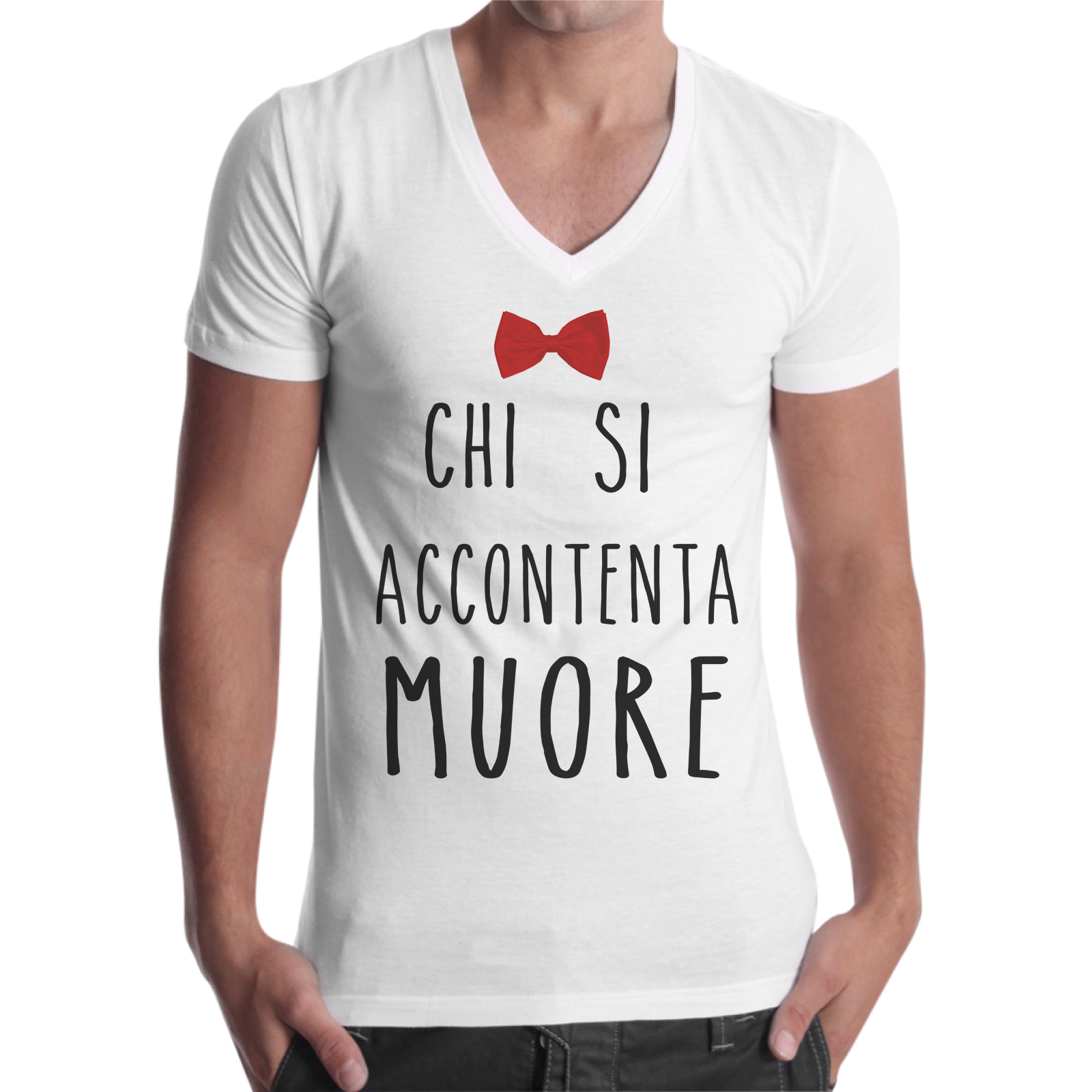 T-Shirt Uomo Scollo V CHI SI ACCONTENTA